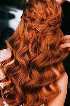 Gorgeous Ginger Copper Hair Colors And Hairstyles You Should Have In Winter; Red Hair Color And Style; Giner And Red Hair Color; Curly Ginger Hair, Ginger Hair Color, Red Hair Color, Hair Colors, Red Color, Copper Red Hair, Natural Red Hair, Copper Hair Colour, Short Red Hair