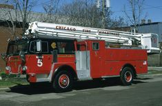 Squad 1975 Pierce/Hendrickson, un-retired after their 1988 Spartan was destroyed in a accident with a vehicle. Chicago Fire Department, Fire Dept, Fire Apparatus, Search And Rescue, Firefighting, Public Service, Fire Engine, Lifeguard, Ambulance