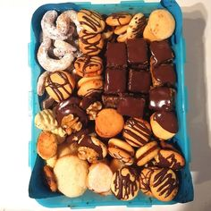 turquoise.l_o_v_e Weihnachtsbäckerei 😋 . . . #weihnachtsbäckerei #weihnachtskekse #kekse #xmascookies #xmasbaking #cookies #keksebacken #christmascookies #christmasbaking Pictures, Baking Cookies, Photos, Grimm