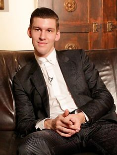 Willy Moon Yeah Yeah Interview on Buzzine.com