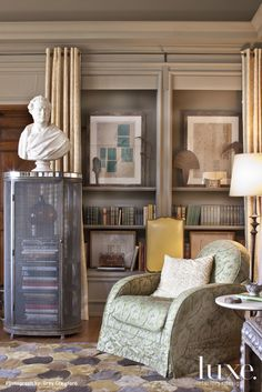 Love this interior vignette by Barry Dixon for Luxe magazine's Greystone Show house #interiors #designer #Barry Dixon