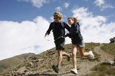 Downhill Running Workouts To Improve Speed, Control - Competitor Running