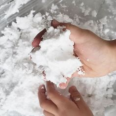 Faire de la neige artificielle (froide!) - Wooloo Coins Lecture, Inspirer, Winter Kids, Science For Kids, Chefs, Biscuits, Cupcakes, Animation, Science