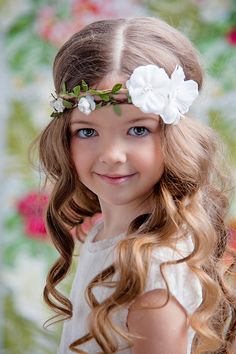 Flower child ~Saved by Jeanne Aubin Precious Children, Beautiful Children, Beautiful Babies, Cute Kids, Cute Babies, Baby Kids, Adorable Petite Fille, Kind Photo, Pretty Little Girls