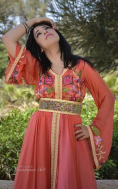 Number 1 MasterCollection for Moroccan Fashion Moroccan Kaftan Dress, Caftan Dress, Traditional Fashion, Traditional Dresses, Caftan Gallery, Moroccan Bride, Morocco Fashion, Eastern Dresses, Arab Fashion