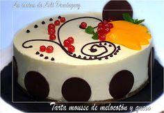 Desde LA COCINA DE LOLI DOMÍNGUEZ no solo nos enseñan a preparar esta exquisita tarta mousse, sino que también nos dejan ver cómo decorarla de una forma muy especial. Cupcakes, Cookie Cups, Mousse, Flan, Cheesecakes, Allrecipes, Delicious Desserts, Panna Cotta, Birthday Cake