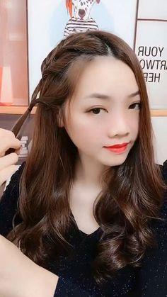- Trend Hair Makeup And Outfit 2019 Bun Hairstyles For Long Hair, Braids For Long Hair, Braided Hairstyles, Box Braids, Hair Up Styles, Medium Hair Styles, Hair Styler, Hair Videos, Hair Designs
