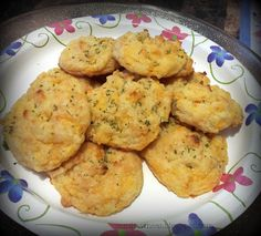 "Cut the Wheat, Ditch the Sugar: Grain Free, Gluten Free ""Cheddar Bay"" Biscuits"