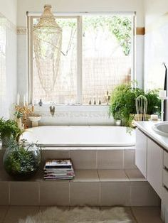 I like the step out of the bathtub. The Melbourne home of Madeleine and Jeremy Grummet and Family. Production – Lucy Feagins/The Design Files. Bohemian Bathroom, Diy Bathroom, Relaxing Bathroom, Neutral Bathroom, Wooden Bathroom, Bathroom Goals, Bathroom Plants, Family Bathroom, Melbourne House
