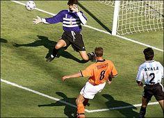 Jugadores de Argentina marcar un gol.