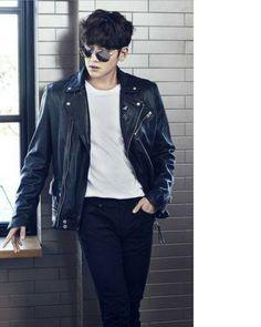❤❤ 지 창 욱 Ji Chang Wook ♡♡ that handsome and sexy look . Park Hyung Sik, Asian Boys, Asian Men, Ji Chang Wook 2017, Ji Chang Wook Healer, Ji Chan Wook, Handsome Korean Actors, Handsome Guys, Empress Ki