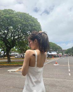 theqoo: Black Pink đăng tải những hình ảnh chụp ở Hawaii Kim Jennie, Jenny Kim, Blackpink Fashion, Korean Fashion, South Korean Girls, Korean Girl Groups, Divas, 2ne1, Blackpink Jisoo