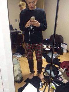 Kris Exo, Galaxy Fashion, Wu Yi Fan, Sexy Body, Boyfriend Material, Black Jeans, Kpop, Actors, My Style