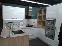 Kitchen line - structure and colors