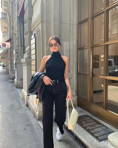 Fashion Tips Hijab Cute casual outfit. Komplette Outfits, Stylish Outfits, Summer Outfits, Look Fashion, Autumn Fashion, Men Fashion, Preppy Trends, Looks Black, Mode Inspiration