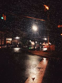 Discover the photography 42730163 by Yelitza – Explore millions of royalty-free pictures from outstanding photographers with EyeEm Night Rain, Rainy Night, Day For Night, Rainy Days, Night Skies, Rain Photography, Tumblr Photography, Rainy Day Pictures, Dark City
