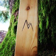 Sci artigianli in legno unici nel loro genere, visita @primierobordeski e @bordeski su istagram e facebook per tutte le news 🌲⛷️❄️ Sci, Genere, Skiing, Facebook, Ski