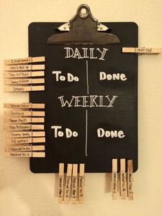 Even grown ups need a chore chart! Daily and weekly chalkboard chore chart for m., Even grown ups need a chore chart! Daily and weekly chalkboard chore chart for married couples. DIY with chalkboard paint and pens, an old clipboard, . Diy Tableau Noir, Ideias Diy, Diy Chalkboard, Chalkboard Drawings, Chalkboard Lettering, First Apartment, Apartment Goals, Apartment Living, Young Couple Apartment