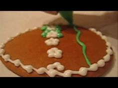 Zdobení perníčků | Vánoční perníčky Sugar Cookie Royal Icing, Sugar Cookies, Stencils, Tutorials, Templates, Cake, Desserts, Food, Drop Cookie Recipes