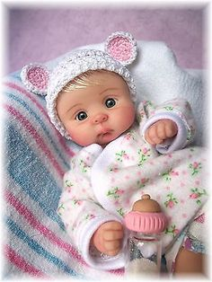OOAK-HAND-SCULPTED-BABY-GIRL-JULIA-BY-JONI-INLOW-DOLLY-STREET