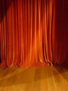 I love orange and the theatre <3