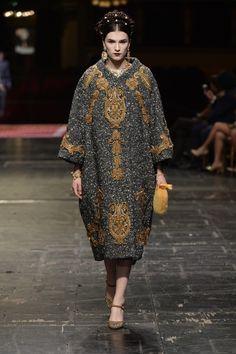 Dolce & Gabbana Haute couture Spring/Summer 2016 HAUTE COUTURE Fashion Show