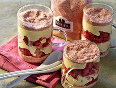 Tiramisu aux fruits rouges et bsicuits rosesUn petit dessert hyper girly et…