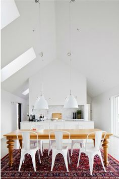 Mixed French; love white lamps