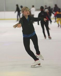 Photo of Iceskating 2009 for fans of Jennette McCurdy 22846257 Jenette Mccurdy, Image Icon, Icarly, Sporty, Actresses, Style, Fashion, Female Actresses, Swag