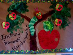 Inching towards summer. On apples have kids write favorite meal or club activity. My Bulletin Board (created by D) with graduates names on the apple. inspiration: via Ali Ferro original idea by Erin Straw Bulletin Board Tree, Teacher Bulletin Boards, Spring Bulletin Boards, Preschool Bulletin Boards, Preschool Art, Bullentin Boards, Teacher Classroom Decorations, Classroom Themes, Caterpillar Bulletin Board