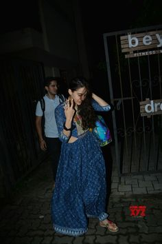 Mumbai: Sara Ali Khan seen at Mumbai's Bandra - Social News XYZ Native American Dress, Ganesha Pictures, Saif Ali Khan, Lucky Star, Mumbai, Casual Dresses, Celebrity Style, Bollywood, Summer Outfits