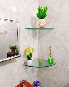 Glass Bathroom Shelves, Glass Shelves, Small Bathroom, Indian Home Decor, Diy Home Decor, Homer Decor, Glamour Decor, Simple Furniture, Kitchen Interior