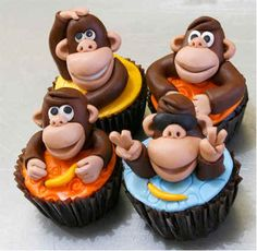 Monkey cupcakes -  I managed to track down the source for these cakes ...they are from The Crazy Cakery - http://www.crazycakery.com/#!gallery