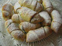 Svatomartinské rohlíčky | Mimibazar.cz European Dishes, Baked Potato, Sweets, Bread, Homemade, Ethnic Recipes, Pizza, Food, Drink