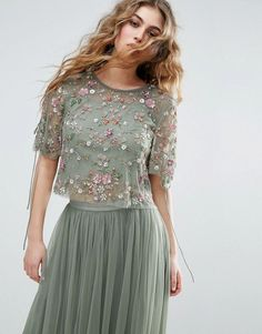 Needle & Thread Needle and Thread Floral Embellished Top Indian Gowns Dresses, Prom Dresses With Sleeves, Blush Dresses, Evening Dresses, Bridesmaid Dresses, Formal Dresses, Dress Prom, Latest Fashion Clothes, Fashion Dresses