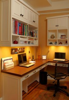 Home Office Design Ideas - A clean workspace is key to having an uncluttered mind and a great way to foster productivity. Here are seven helpful tips to organize your office. Office Nook, Home Office Space, Home Office Design, Home Office Furniture, Home Office Decor, House Design, Home Decor, Office Designs, Small Office