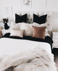 Home Decoration - Master Bedroom Ideas - Dove-gray paint as well as glam handles take this bedroom. Dream Rooms, Dream Bedroom, Home Bedroom, Girls Bedroom, Master Bedroom, Bedroom Furniture, Trendy Bedroom, Bedroom Diy Teenager, Furniture Decor