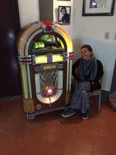 Vintage jukebox                                                            Hotelnational cuba-havana