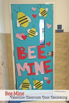 Bee Mine – Featured in 27 Valentine's Day Classroom Door Decorating Ideas {OneCr… – Valentine's Day Decorations Valentines Day Decor Classroom, Halloween Classroom Door, Valentines Day Decorations, Valentines Art, School Door Decorations, Diy Classroom Decorations, Classroom Themes, Kindergarten Classroom Door, Classroom Board