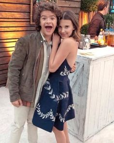 Millie bobby brown and Gaten Matarazzo Stranger Things Actors, Bobby Brown Stranger Things, Stranger Things Season, Stranger Things Netflix, Millie Bobby Brown, Long Island, Browns Fans, Enola Holmes, Celebs