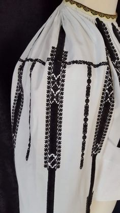 Pakistani Dresses, Romania, Anthropologie, Sewing Patterns, Textiles, Costumes, Embroidery, Knitting, Shirts