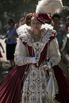 Elizabeth I at Tennessee Renaissance Festival. (simply because I have no other board to pin this to - but how COOL)