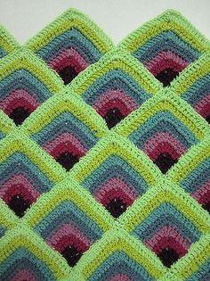 Free crochet pattern on Ravelry, Double Crochet Mitered Squares by Pandatomic. Crochet Motifs, Crochet Squares, Knit Or Crochet, Learn To Crochet, Crochet Crafts, Double Crochet, Crochet Stitches, Free Crochet, Granny Squares