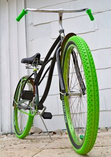 Villy Customs Black and Green Beach Cruiser