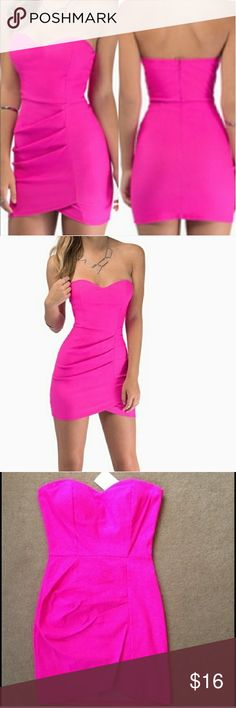 Tobi hot pink strapless bodycon sz. L dress NEW New with taga. Sweetheart strapless bodycon dress by Tobo. Size large. So flattering and cute! Sold out online. Would fit a sz. 6 to sz. 8 best. Tobi Dresses Strapless