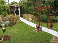 Wedding | An intimate outdoor wedding at the Avenue O Bed and Breakfast located in Galveston, TX.