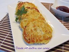 desde mi cocina con amor: HAMBURGUESAS DE COLIFLOR Y QUESO Mexican Food Recipes, Vegetarian Recipes, Cooking Recipes, Healthy Recipes, Ethnic Recipes, Clean Eating, Healthy Eating, Vegetable Salad, Fritters
