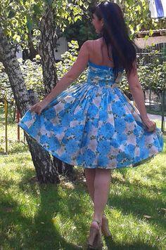 Pinup dress 'Flower garden' Blue Floral Pinup por PinupDollWardrobe