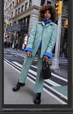 Fashion Line, Fashion 2020, Urban Fashion, Street Fashion, Women's Fashion, Winter Fashion Outfits, Autumn Winter Fashion, Blue Suit Style, Blue Sweater Outfit