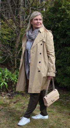 Chanel beige Medium double flap bag, Zara, Gucci